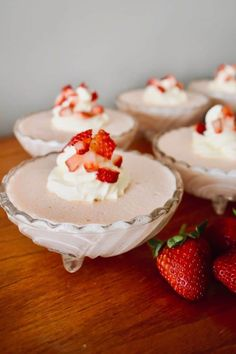 Flummery: an old-fashioned dessert that's worth remembering 💕 No Cook Desserts, Sweet Desserts, Just Desserts, Sweet Recipes, Delicious Desserts, Dessert Recipes, Jello Recipes, Two Ingredient Desserts, Flummery