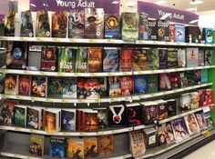 I miss this sight so muchhhh. Since I moved the nearest Barnes & Noble is an hour away -.-