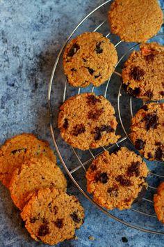 édesburgonyás-csokis keksz Healthy Cake, Gingerbread, Biscuits, Muffin, Paleo, Gluten Free, Sweets, Cookies, Breakfast