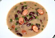 Fazolová polévka ze sterilovaných červených fazolí s vložkou párku. Cheeseburger Chowder, Soup, Soups
