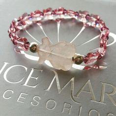 Pulsera osito en cuarzo rosado y mariposas en cristales de swarovski   #swarovski #cristales #cristales #aretes