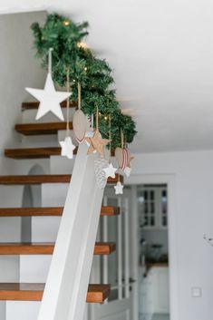 Christmas Hearts - a Weihnachtsdeko - Weihnachten Christmas Hearts, Noel Christmas, Christmas Ornaments, Amazon Christmas, Christmas Design, Family Christmas, Ladder Decor, Halloween, Holiday Decor