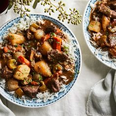 This slow-cooker beef stew recipe couldn't simpler. To make beef stew in the Crockpot, add all of the ingredients to your slow cooker, set it, and forget it. Slow Cooker Beef, Slow Cooker Recipes, Crockpot Recipes, Crockpot Meat, Delicious Recipes, Tasty, Food 52, Soups And Stews, Meals