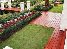 Zuri® Premium Decking by Royal® does more than invite inspection. It necessitates it. Color and texture with minimal grain pattern repetition conspire to capture the unmistakable look of exotic timber. A hidden fastener system completes the elegant picture.