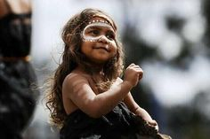 a beautiful Australian aboriginal girl.  3 years old and proudly performing in the Gindan Djalbu Dance Troup based in Melbourne. <3