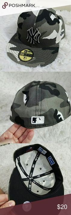 NEW CAMO NY YANKEES FITTED HAT Raised embroidered NY Yankees Black, gray, and white camo fitted hat. Size 7 1/4 58cm, 59Fifty New Era sticker on top and MBL sticker underneath. Great condition. New Era Accessories Hats