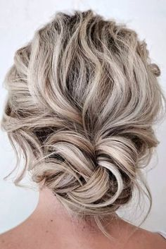 48 Mother Of The Bride Hairstyles ? mother of the bride hairstyles on curly blonde hair low bun sarahwhair Mother Of The Groom Hairstyles, Mother Of The Bride Hairdos, Mother Of The Bride Hair Short, Long Curly Hair, Curly Blonde, Messy Hair, Curly Updos For Medium Hair, Medium Length Wedding Hairstyles, Medium Hair Styles