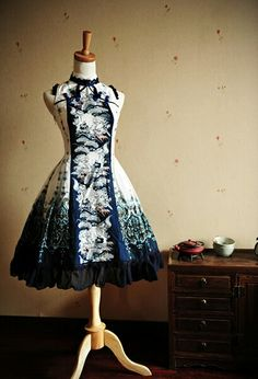 Very fancy, and the blue and white look amazing together. Kawaii Fashion, Lolita Fashion, Cute Fashion, Rock Fashion, Skull Fashion, Dress Outfits, Dress Up, Cute Outfits, Fashion Outfits