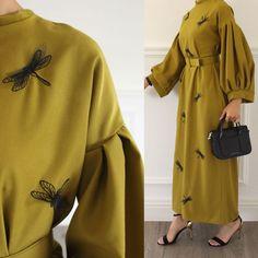 Abaya Style 536983955565735891 - ghada shop Source by Islamic Fashion, Muslim Fashion, Modest Fashion, Fashion Dresses, Hijab Dress, Hijab Outfit, Mode Abaya, Abaya Designs, Hijab Chic