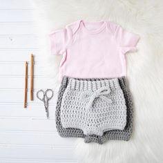 31 Crochet Diaper Cover Patterns Crochet Baby Bloomers, Baby Bloomers Pattern, Diaper Cover Pattern, Bonnet Pattern, Top Pattern, Crochet Shorts Pattern, Newborn Crochet Patterns, Basic Crochet Stitches, Crochet Basics