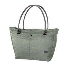 Patagonia Transport Tote 20L - This stylish tote bag has all the pockets and organizational capabilities to comfortably meet your travel needs.