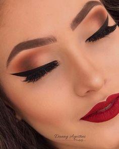 Pro Tips On How To Apply Eyeliner Perfectly How To Apply A Natural Looking Eyeliner Clown Makeup, Glam Makeup, Makeup Inspo, Bridal Makeup, Wedding Makeup, Makeup Inspiration, Beauty Makeup, Face Makeup, Pretty Makeup