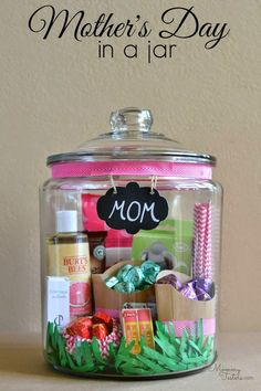 Mother's Day in a jar & 50 other awesome Mother's Day gifts!!!