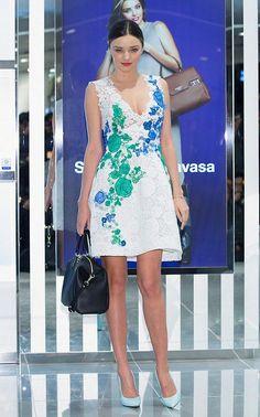 ミランダ・カー、韓国での日程を終えて日本に出国!#空港ファッション | 海外セレブ&セレブキッズの最新画像・私服ファッション・ゴシップ | Jinclude