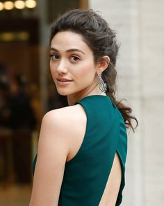 At the American Ballet Theater Spring gala, Emmy Rossum pulled her natural curls back into a french braid and went minimal on her makeup.