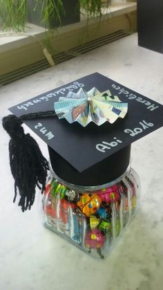 No idea from whom, but a very good idea for a money gift to graduation - thank y. No idea from whom, but a very good idea for a money gift to graduation - thank you . Graduation Pictures, Graduation Gifts, Diy Presents, Diy Gifts, Graduation Balloons, Gift Baskets, Biscuit, Stampin Up, Diy And Crafts