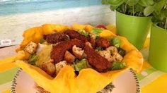 Caesar Salad with Chicken Strips- yummy ! Tacos, Mexican, Beef, Dishes, Ethnic Recipes, Food, Youtube, Meat, Tablewares