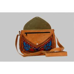 Get lether ladies purse,  leather ladies bags on  http://www.theregalsleather.com/ladies-leather-purse-gypsy-handbag