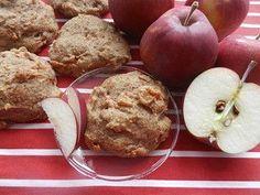 Une galette méga santé tendre et moelleuse au goût divin de pomme-cannelle… Une galette dessert, collation, ou encore déjeuner qui, se mange à toutes heures du jour, du soir ou de la nuit. Une création automnale originale qui nous rappelle la tartes aux pommes (ou le chausson) de notre enfance. Et j'ai nommée, la Pommoelleuse.... Healthy Cookies, Healthy Dessert Recipes, Healthy Baking, Cookie Recipes, Healthy Snacks, Desert Recipes, Fall Recipes, Desserts Sains, New Cooking
