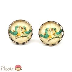 Sweet & nostalgic stud earrings.