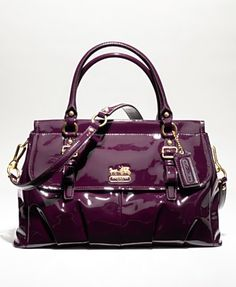 Not a major fan of coach due to so much counterfeiting but I love this!