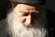 Părintele Petroniu Tănase vorbește despre trei primejdii sau ispite duhovnicești prin care trec cei care umblă pe această cale: mândria, deznădejdea și nepăsarea.