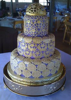 Amazing Cakes of Austin Gold Lace and Lace Dome