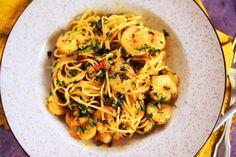 Ez a 8 kedvenc spagettis receptünk! Shrimp, Spaghetti, Food Porn, Ethnic Recipes, Kitchen, Chilis, Street, Minden, Recipies
