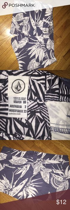 NWOT VOLCOM PALM PRINTED SHORTS Obsessing over these! 😍✨ NWOT/Never been worn! Amazing quality and super comfortable...   💗Feel free to ask questions or make an offer! Most prices are negotiable. Thanks for checking out my closet! ✨Happy shopping!🛍 Volcom Shorts