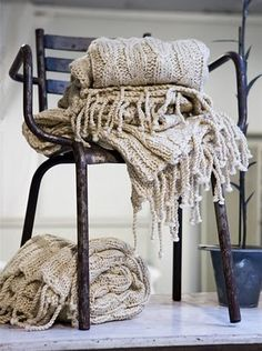 love these knitted throws