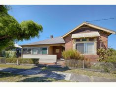 House For Sale - 147 Cleary Street - Hamilton , NSW