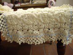 Copertina neonato lavorata a mano ad uncinetto in lana irrestringibile