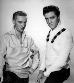 "1958 ELVIS PRESLEY in the MOVIES /""KING CREOLE/"" PHOTO Rare Studio Pose 10"
