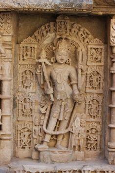 My Travelogue: Rani Ki Vav - Part 2 (Patan - Gujarat) #travelblog #indiatravel #photoblog #gujarat #gujarattourism #indiatourism #temples #patan #waterconservation #dasavathara