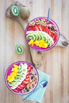 Dragon Fruit Smoothie Bowl + The NuNatural Giveaway Winners! -