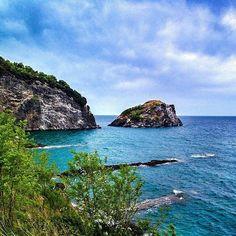 """Hoynat Adası#Ordu #Turkey #travel #island photo@ozdalaylama"" Black Sea, Places To See, Charms, Horses, Culture, Memories, Architecture, City, Water"