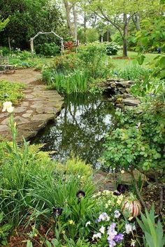 43 Stunning Garden Pond Waterfall Design Ideas - Home/Decor/Diy/Design Backyard Water Feature, Ponds Backyard, Garden Ponds, Modern Backyard, Backyard Ideas, Backyard Waterfalls, Pond Landscaping, Landscaping With Rocks, Pond Design