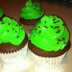 Chocolate cupcakes with mint cream cheese frosting