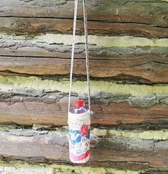 DIY Upcycled Vintage Tablecloth Water Bottle Carrier