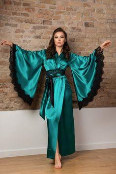 Hollywood Fashion, Hollywood Glamour, Old Hollywood, Green Kimono, Green Silk, Green Fabric, Robes Glamour, Cotton Sleepwear, Cute Pajamas