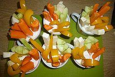 Kräuterdip mit Gemüsesticks