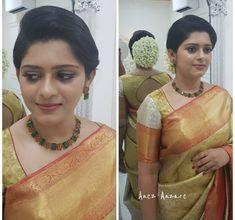 Christian Wedding Sarees, Christian Bride, Saree Wedding, Kerala Jewellery, Saree Jewellery, Bridal Jewellery, South Indian Wedding Hairstyles, Bride Hairstyles, Indian Wedding Jewelry