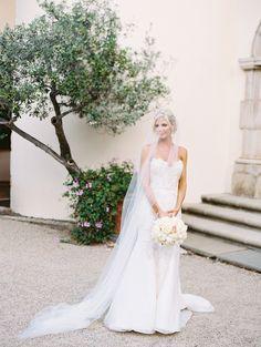 Timelessly elegant bridal style: http://www.stylemepretty.com/2016/03/11/european-inspired-california-estate-wedding/ | Photography: Lane Dittoe - http://lanedittoe.com/