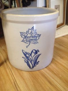 Western Stoneware Monmouth Chain Link Swag Blue Pottery Crocks Casseroles Bowls