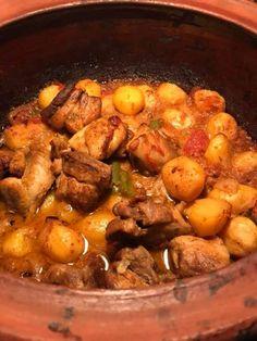 Slow Cooker Recipes, Meat Recipes, Cooking Recipes, Greek Recipes, Light Recipes, Meat Chickens, Cooking Gadgets, Pot Roast, Food Inspiration