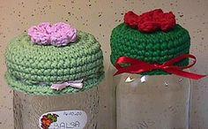 Jar Lid Covers By Jackie Tyler - Free Crochet Pattern * ༺✿ƬⱤღ  https://www.pinterest.com/teretegui/✿༻