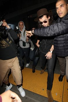 Harry Styles And Kendall Jenner Photographed Arriving At LAX Airport Tonight Separately  - http://oceanup.com/2015/01/02/harry-styles-and-kendall-jenner-photographed-arriving-at-lax-airport-tonight-separately/