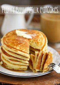 The BEST Fluffy Buttermilk Pancakes - Mom On Timeout pancake recipe - Dinner Recipes Fluffy Pancake Recipe No Milk, Buttermilk Pancakes Fluffy, Best Pancake Recipe, Pancakes And Waffles, Homade Pancakes Recipe, Pancake Recipes, Pancake Recipe No Buttermilk, Peach Pancakes, Fluffiest Pancakes