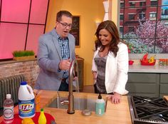 Peter Walsh jump-starts your spring cleaning by showing you five often-used but never cleaned household items that you cant ignore anymore! Cleaning Solutions, Cleaning Hacks, Mardi Gras Spring Break, Household Cleaners, Household Items, Spring Cleaning Checklist, Peter Walsh, Clean Sweep, Clean Freak