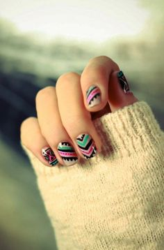 Art on nails Nail Art! more nails Nails / I wish I was talented enough to do this on both hands! Free Nail Technician Information www. Tribal Print Nails, Tribal Nails, Chevron Nails, Tribal Prints, Tribal Patterns, Tribal Designs, Tribal Art, Nail Patterns, Blue Chevron